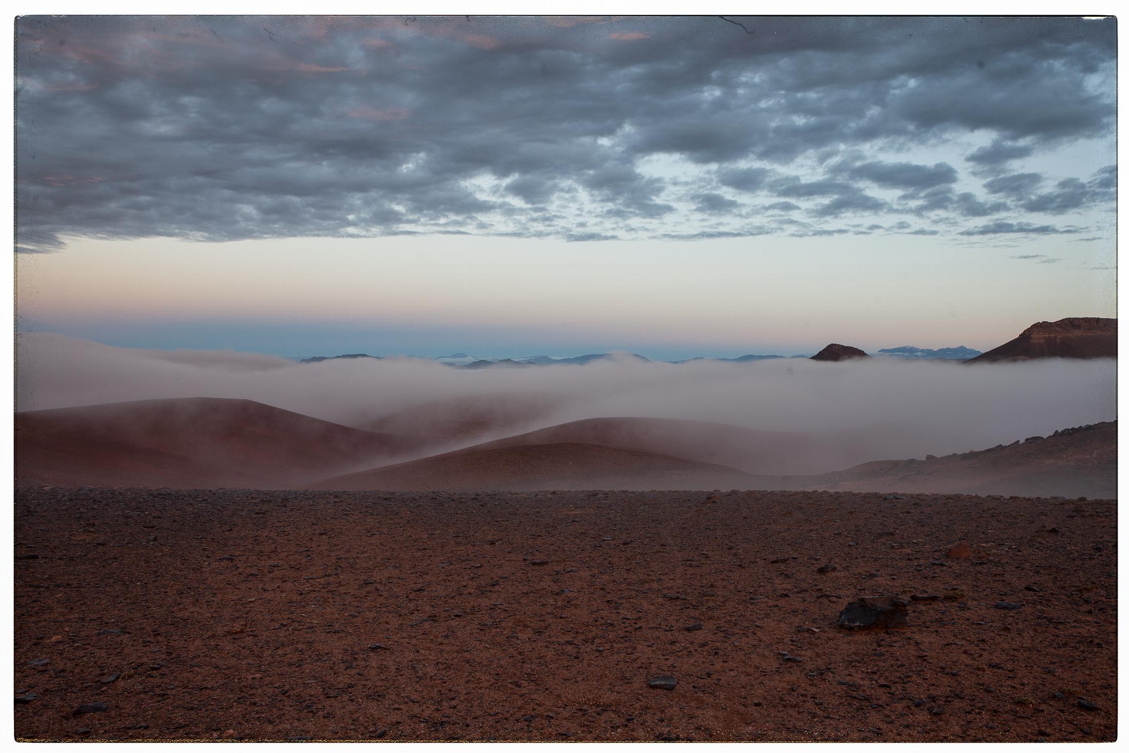 Wüste mit Nebel